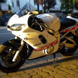 Yamaha R6 Replica